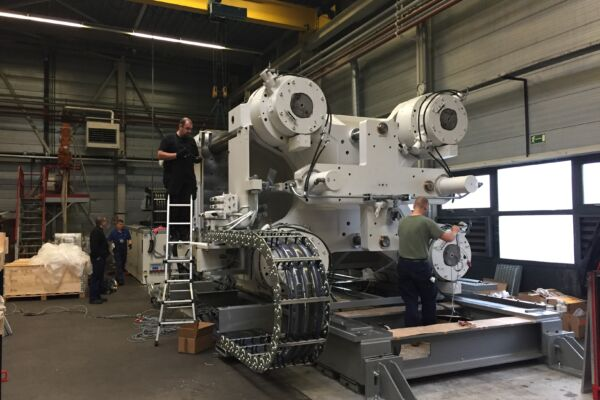 Expanding machine fleet with a Kraus Maffei moulding machine at HSV The particle foam engineers